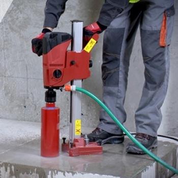 Furo técnico em concreto em São Vicente