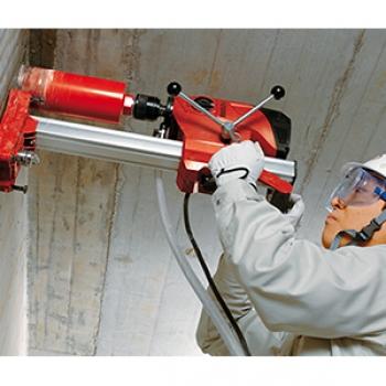 Perfuração em concreto armado na Aclimação