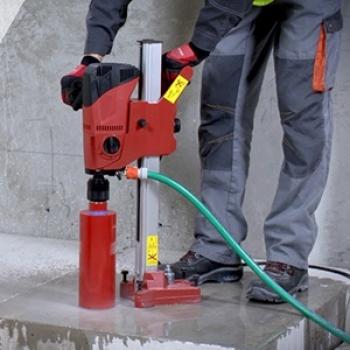 Perfuração para aquecedores em Caieiras