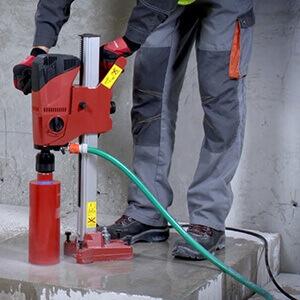 Serviço de perfuração em concreto